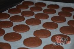 Příprava receptu Křehké kakaové sušenky s kvalitním máslovým krémem, krok 4