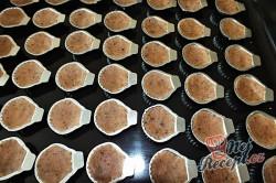 Příprava receptu Oříškové mušličky se žloutkovým krémem, krok 1