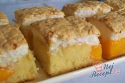 Příprava receptu Meruňkové řezy s kokosovou pěnou, krok 9
