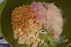 Příprava receptu Celerový salát s ananasem a pórkem, krok 3