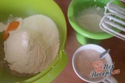 Příprava receptu Plněné moravské koláče s pořádnou dávkou povidel, krok 1