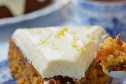Příprava receptu Zdravější dezert - Mrkvový dort s citronovou polevou, krok 18