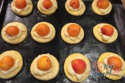 Příprava receptu Meruňkové kynuté koláčky, krok 9