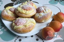 Příprava receptu Meruňkové kynuté koláčky, krok 11