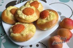 Příprava receptu Meruňkové kynuté koláčky, krok 12