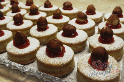Příprava receptu Měkoučké koláčky s lískooříškovým krémem, krok 1