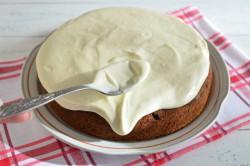 Příprava receptu Zdravější dezert - Mrkvový dort s citronovou polevou, krok 15
