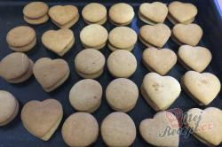 Příprava receptu Měkoučké pardubické perníčky s povidly, krok 14