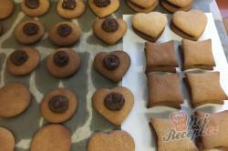 Příprava receptu Měkoučké pardubické perníčky s povidly, krok 12