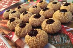 Křehké mandlové kuličky s marmeládou - vánoční recept, který je u nás tradicí již 50 let., krok 10