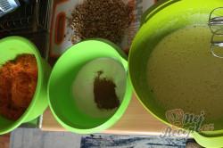 Příprava receptu Zdravější zákusek KRÁLÍČEK s mascarpone krémem a oříšky, krok 5