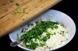 Příprava receptu Plněné žampiony s kuřecím masem a sýrem, krok 6