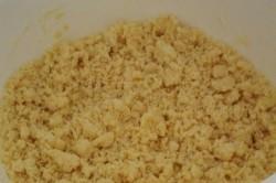 Příprava receptu Drobenkový třešňový koláček, krok 2