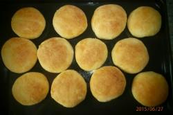 Příprava receptu Vdolky s povidly, tvarohem a šlehačkou, krok 1