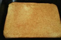 Příprava receptu Osvěžující koláček s broskvovým želé a piškoty, krok 1