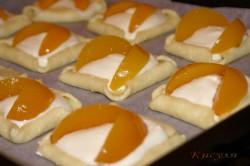 Příprava receptu Tvarohové koláčky s ovocem, krok 5