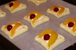 Příprava receptu Tvarohové koláčky s ovocem, krok 6