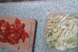 Příprava receptu Salát s krabími tyčinkami a rýžovými nudlemi, krok 2
