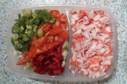 Příprava receptu Salát s krabími tyčinkami a rýžovými nudlemi, krok 5