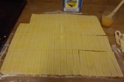 Příprava receptu Slané tyčinky ze zakysané smetany, krok 4