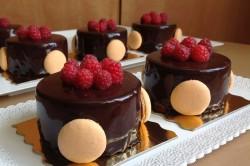 Příprava receptu Malinovo-čokoládové pěnové dortíky, krok 7