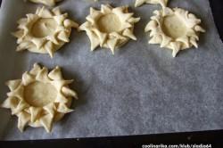 Příprava receptu Kynuté sluníčka se šunkou a sýrem, krok 4