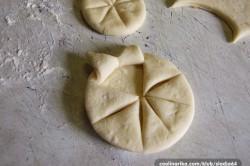 Příprava receptu Kynuté sluníčka se šunkou a sýrem, krok 2