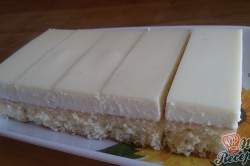 Příprava receptu Jednoduché citrónové řezy s bílou čokoládou, krok 14