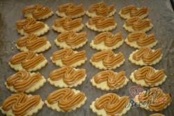 Příprava receptu Oválky s karamelovým krémem, krok 4